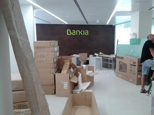Des montaje de muebles mobiliario de oficinas en valencia mudanzas cpt - Bankia oficina movil ...