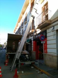 Mudanzsa con grua CPT en Valencia