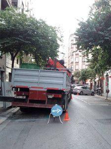 Camión grua para elevacion maetriales pesados o de dificil manejo
