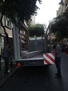 Camión transporte de elementos de carpintería en Valencia