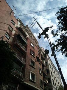 Elevación de carpintería por fachada en Valencia