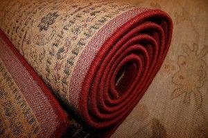 imagen de una alfombra. ¿Es recomendable el uso de champús para su limpieza?